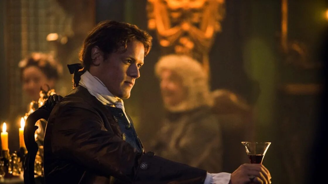 Anyone who watches 'Outlander' can't help but be wooed by the dreamy Sam Heughan. Here's why he would make a perfect James Bond.