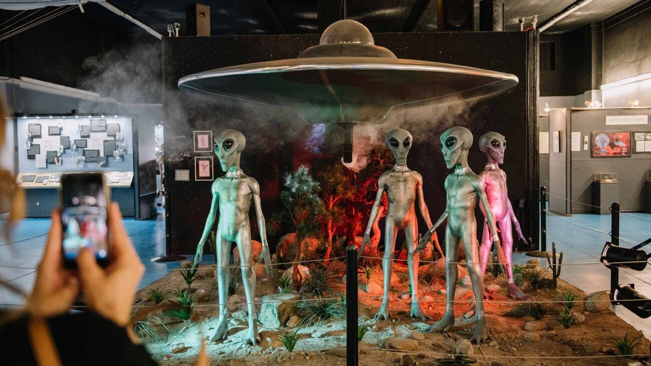 Were the alien pictures from Roswell real, and if not, why didn't the investigators catch on sooner? Let's investigate those alien pictures.