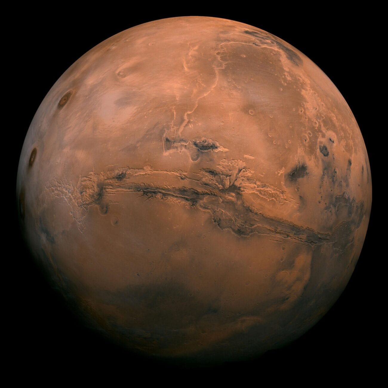 People always joke about moving to Mars, but what if it wasn't too much of a stretch? Scientists are weighing in and here's the latest space news.