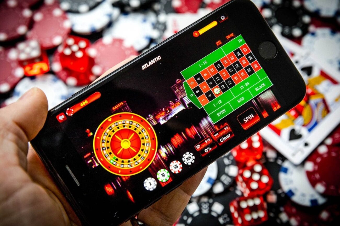 Do you get bored during your daily commute? These fun mobile games are the perfect apps to hold your interest.