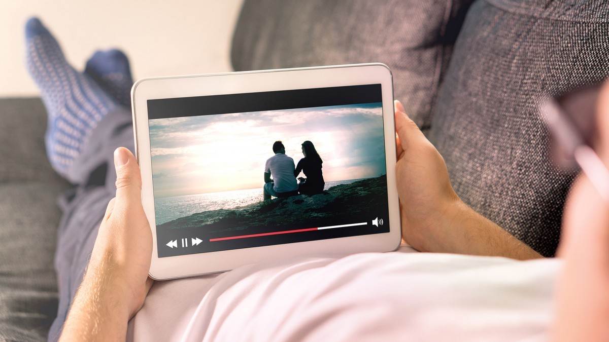 We can all admit that, although we love a free movie every now & then, some sites can be incredibly sketchy. Here's how you can watch movies online.