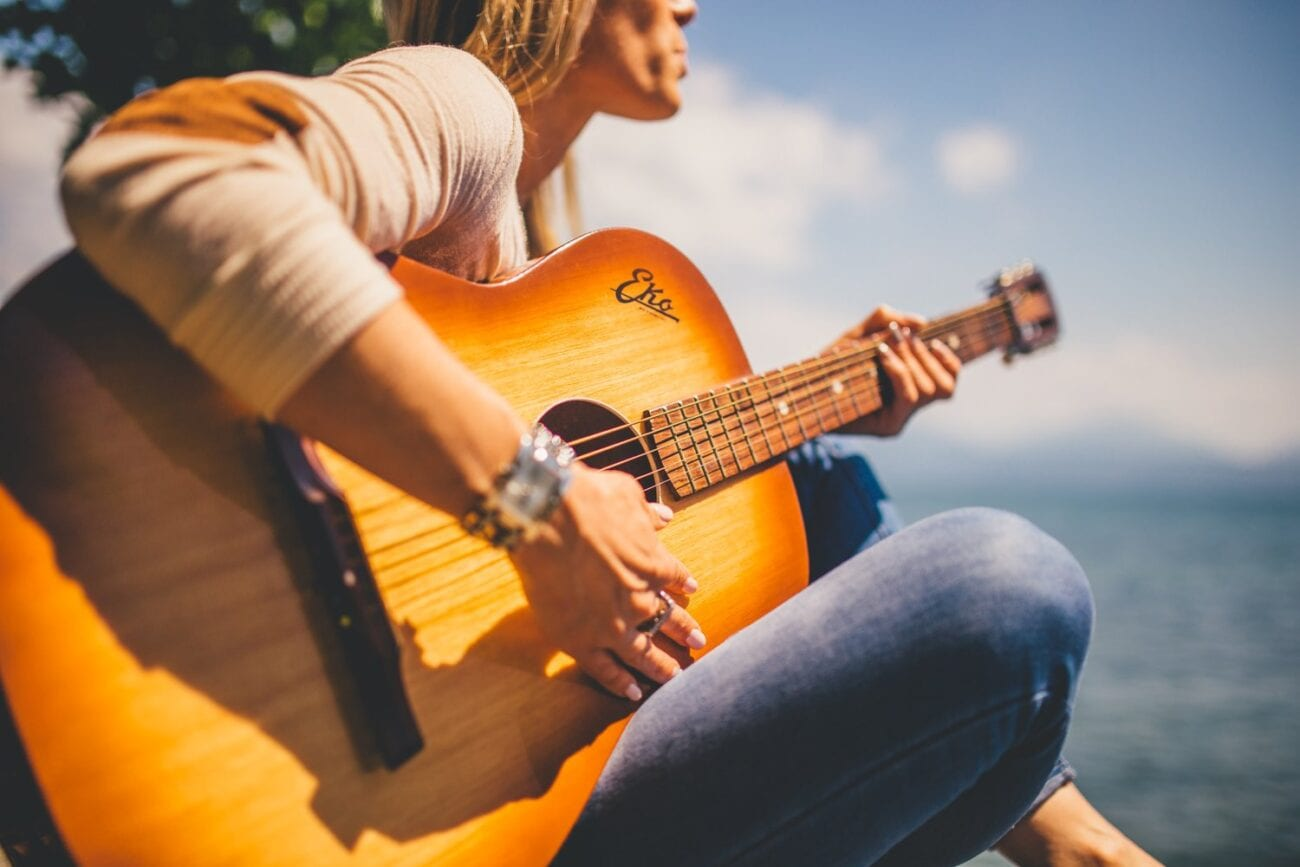 Earning money from music can be difficult. Here are some tips on how to do just that while in college.