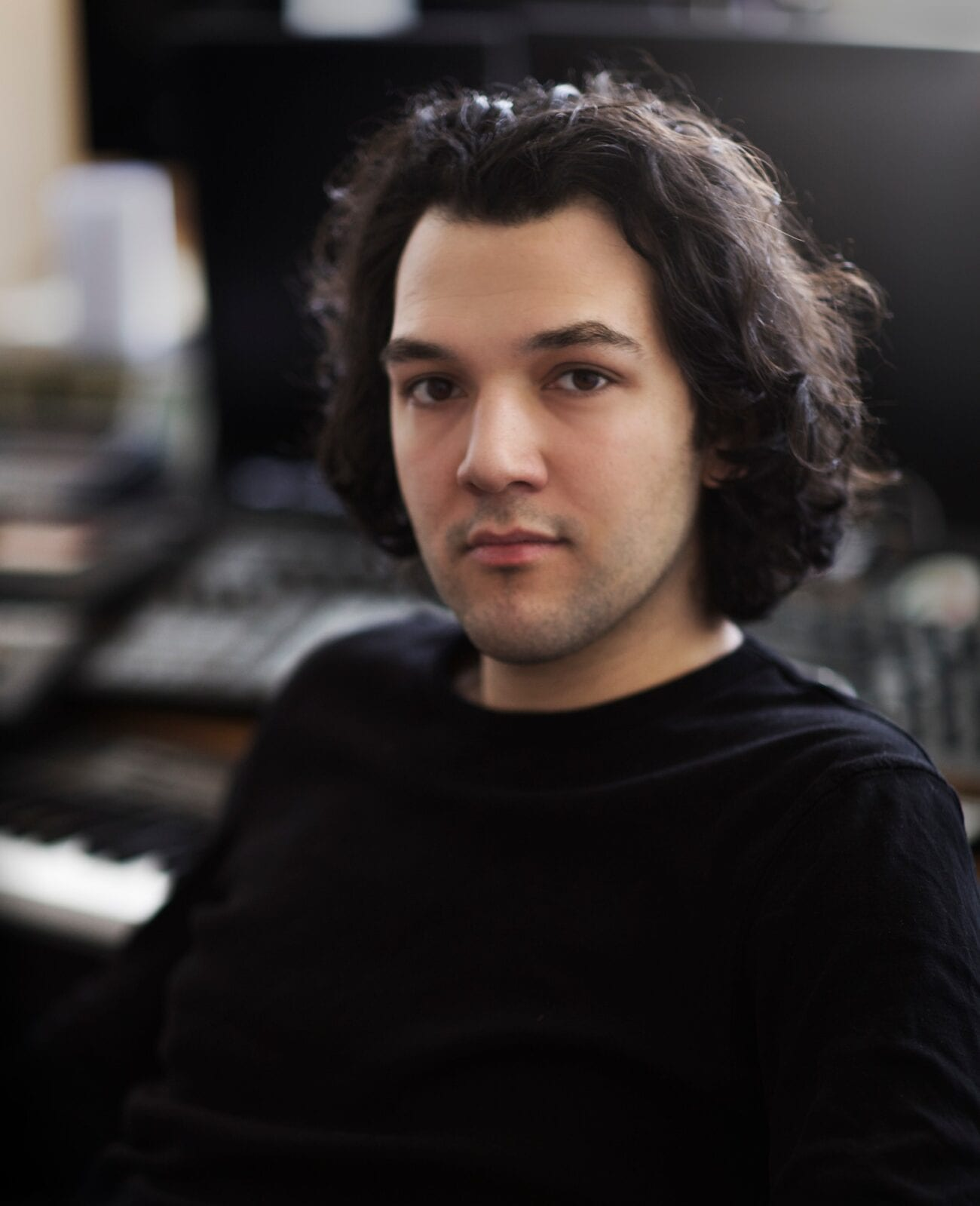 Enis Rotthoff is a very accomplished film composer. We talked to him about his eclectic style and his new film 'Love Sarah'.