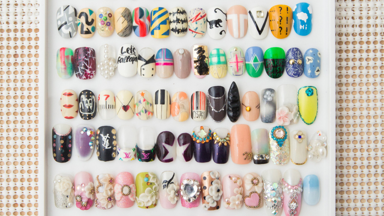 Getting your nails done can be a magical time. Here's a complete how-to guide for venturing out into the wonderful world of press on nails.