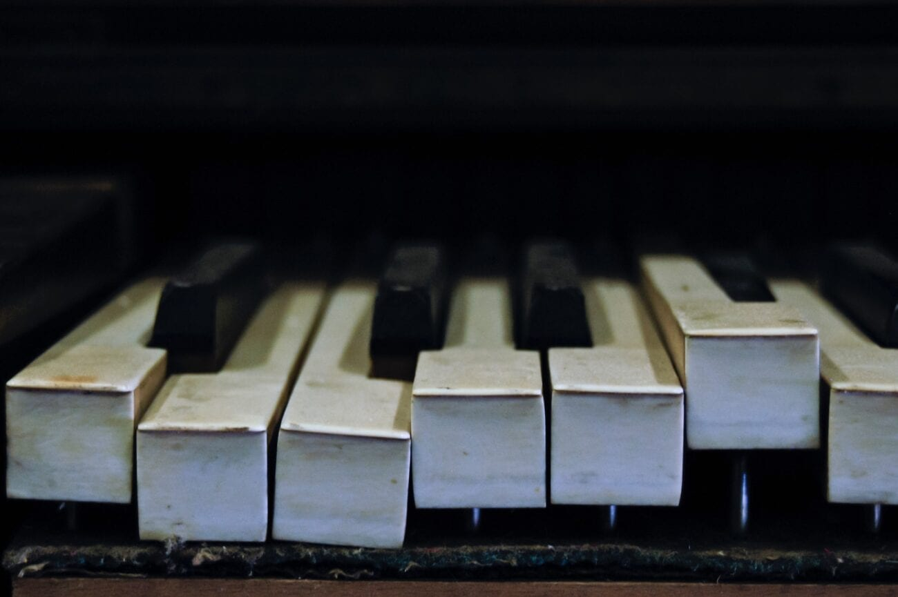 Every party deserves some good tunes. Here are some of the best pieces of piano music, both newer & older songs, to play at your next party.