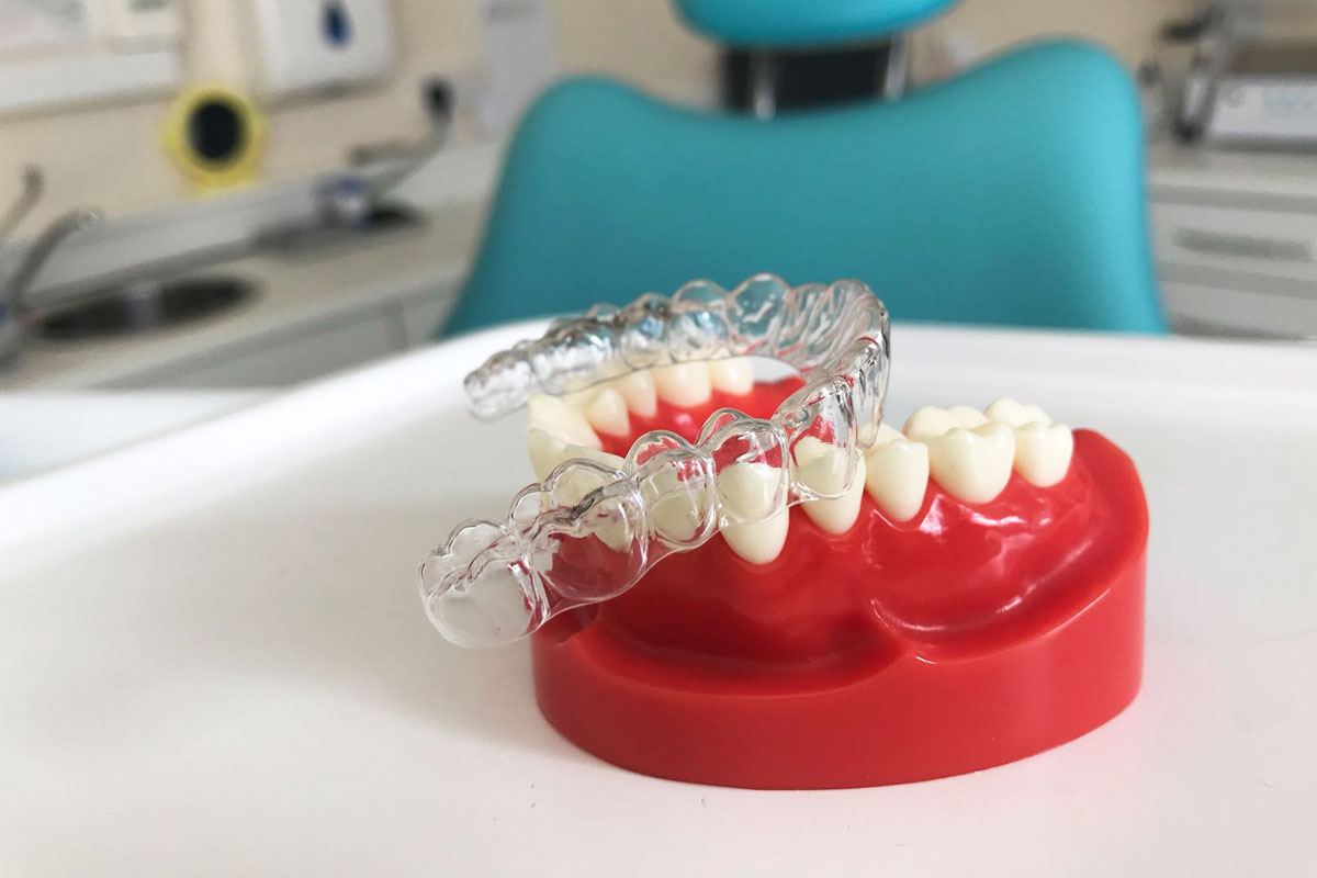 A teeth aligner is very important to get right. Here are some tips on how to pick the right aligner for you.